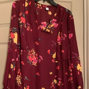 OLD NAVY FLOWY BLOUSE